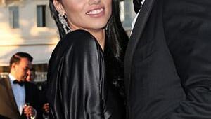 Adriana Lima yardım gecesine sevgilisiyle gitti