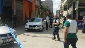 Adana'da sivil polis, silahlı saldırıda şehit oldu