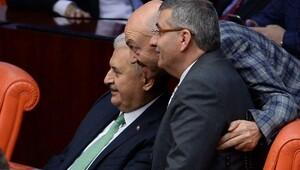 Meclis'te Binali Yıldırım'a yoğun ilgi