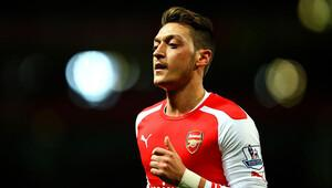 Arsenal'da yılın futbolcusu Mesut Özil