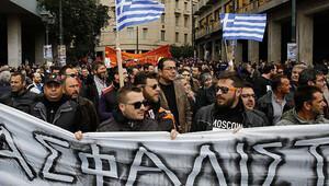 Yunanistan'da hayat durdu