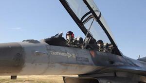 Komutan Kuzey Irak'a hava harekatına katıldı