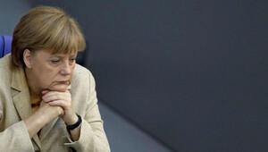 Merkel: Türkiye'deki gelişmeler bizi endişelendiriyor