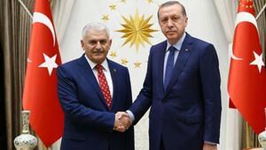 Başbakan Ahmet Davutoğlu istifasını sundu, Binali Yıldırım görevi aldı