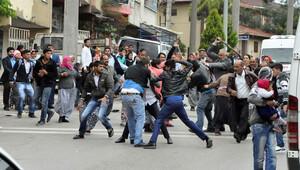 Meydan savaşı gibi kavga mahalleyi birbirine kattı