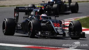 McLaren Mercedes'i geçebilir mi?