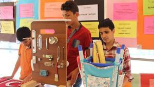 Görme engelli öğrenciler projelerini sergiledi