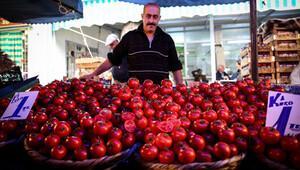 Sebze ve meyvede fiyatlar yarıya düştü