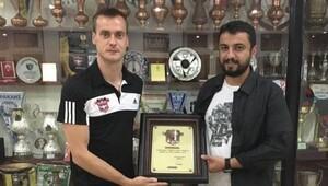 Karcemarskas Gaziantepspor'a veda etti