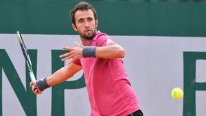 Marsel İlhan, Roland Garros'a ilk turda veda etti.