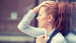Üzüntüsünü içine atan kişiler bel ve boyun fıtığı riski altında