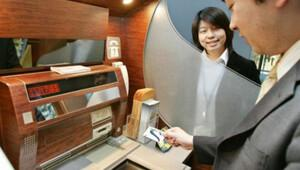 Sahte kredi kartlarıyla ATM'lerden 3 saatte 13 milyon dolar çaldılar