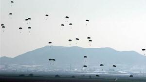 Komandolar havadan böyle indiler