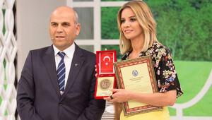 Esra Erol'dan Mehmetçik Vakfı'na bağış