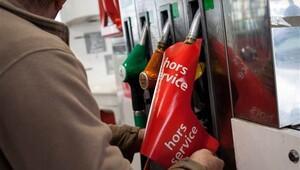 Fransa'da benzin krizi can aldı