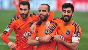Semih Şentürk Başakşehir'e veda etti!