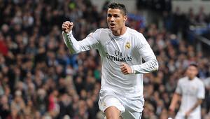 Ronaldo, futbolu Real Madrid'de bırakmak istiyor
