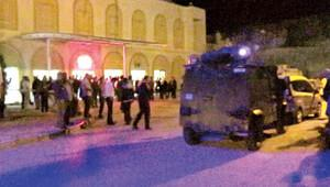 Jandarma karakoluna bombalı araçla saldırı!