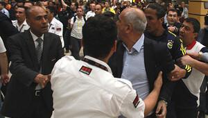 Kupa dönüşü Antalya Havalimanı'nda kavga!