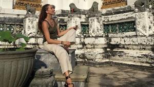 Azra Akın Taylanda tatile gitti