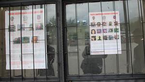 Başına ödül konulan PKK'lılar için ilçeye ilan asıldı