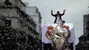 Madrid'de kupa kutlamaları yapılıyor