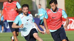 A Milli Futbol Takımı'nda Gökhan Gönül sevinci