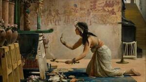 1,700 Yıllık Mısır papirüslerinde aşk, seks ve itaat büyüleri