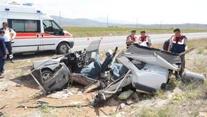 Niğde'de iki otomobil çarpıştı: 3 ölü, 3 yaralı