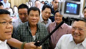 Filipinler Devlet Başkanı Duterte'den öldürülen gazetecilere suçlama