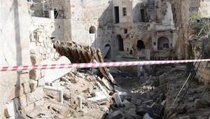 Suriyelilerin oturduğu ev çöktü: 8 kişi yaralandı