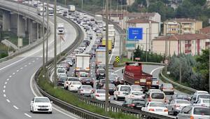 Apaydın: 'Trafik sigortasında eski düzen devam ediyor'
