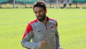Gökhan Gönül, Fenerbahçe'den ayrıldığını açıkladı