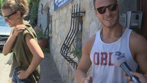 Kerem Bürsin ile Serenay Sarıkaya ev bakıyor