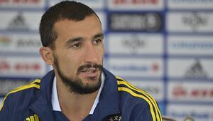 Mehmet Topal Fenerbahçe'de kaldı!