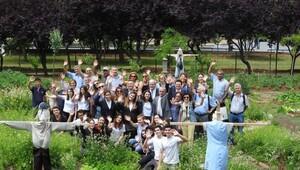 Şehrin ortasından doğaya kaçma şansı: Fenerbahçe Parkı Topluluk Bahçesi