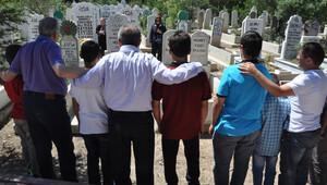 Yıllar geçse de 'Ali Rıza baba'yı unutmuyorlar