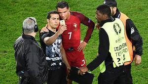 Ronaldo'nun özçekimi Portekiz'in başına dert açtı