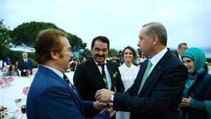 Erdoğan'dan Arda Turan ve Koreli esnaf açıklaması