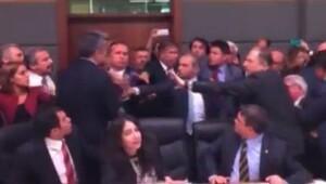 Meclis kavgası videosuna kadın çığlığı eklediler