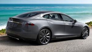 Tesla bu kez de yüzen otomobil yaptı