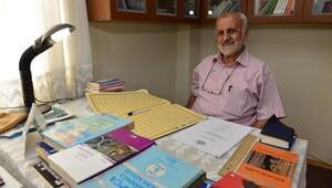Emekli imam 70 yaşında üniversiteyi bitirdi