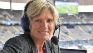 Kadın spiker Euro 2016'yı anlattı hakaret yağdı!