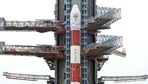 Hindistan 20 uydu taşıyan roketi uzaya fırlattı