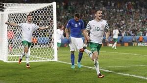 Şaşırıp İrlanda'nın golüne sevinen TRT spikeri sosyal medyayı salladı