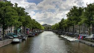 Hollanda'da kimse kanala falan girmez