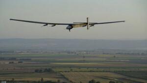 Solar Impulse Atlas Okyanusu'nu aşarak İspanya'ya vardı