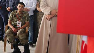 Şehit Uzman Çavuş'u son yolculuğuna 4 bin kişi uğurladı