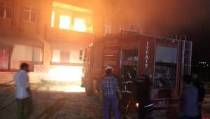 Hasımlarının evini ateşe verdiler, itfaiyeye ateş açtılar