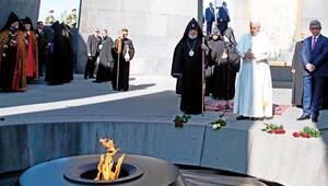 Papa'dan 'soykırım anıtı'na ziyaret